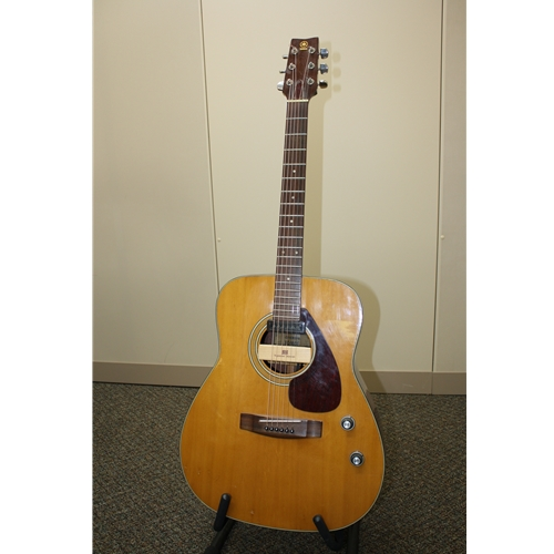 Consignment Yamaha FG160E Acoustic Guitar with Pickup